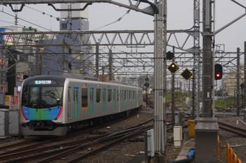 2017年5月30日、所沢、4番ホームから発車した40101Fの西武球場前ゆき準急4317レ。
