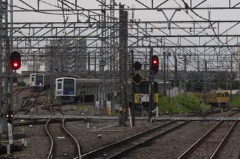2017年6月9日 5時29分ころ、所沢、左から6152Fの池袋線上り回送列車、電留線で寝ている6103F・20158F(999)、2033F?の新宿線上り回送列車。