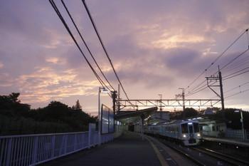 2017年6月25日 19時0分ころ、稲荷山公園、通過する4009F(52席)の上り列車。