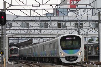 2017年7月16日、所沢、38109Fの1002レ(右)と東急4104Fの4855レ。