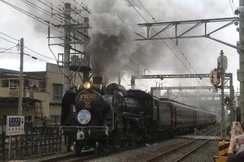 2017年5月27日 11時3分頃、御花畑、通過する下り回送列車。