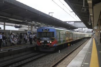 2017年8月19日 13時18分ころ、新所沢、一旦 南入曽車両基地へ引き上げられた20158Fが回送で2番ホームに戻って来ました。13時20分発の会場ゆき臨時列車になります。