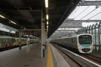 2017年8月6日 6時12分頃、練馬、38107Fの上り回送列車(右)と20158F(999)の5205レ。