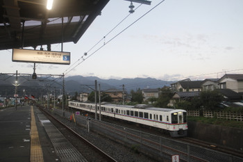 2017年9月19日 5時31分ころ、秩父鉄道の御花畑~影森、4017Fの下り回送列車。