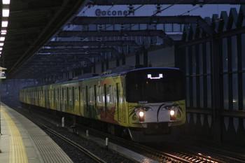 2017年10月29日 6時12分頃、練馬、通過する20158Fの上り回送列車。