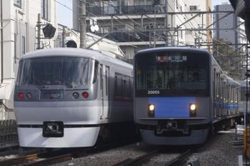 2017年11月1日、高田馬場〜下落合、10106Fの120レと20105Fの2641レ。