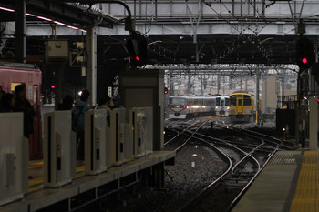 2017年11月23日 9時34分ころ、池袋、4009Fの上り回送列車とすれ違う10103Fの9レ。