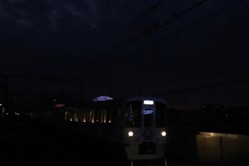 2017年12月2日16時53分ころ、練馬、急行線を通過する4009Fの上り回送。