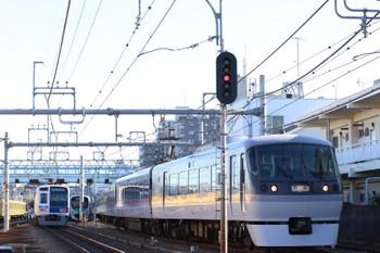 2017年12月27日 10時8分ころ、保谷、4番線から発車した10110Fの下り回送列車。