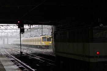 2017年10月22日 13時6分ころ、新秋津、西武線へ戻る263F+1247Fと中線で停車中のEF65-2087の単機回送列車。