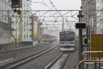 2017年10月29日 13時27分ころ、吉祥寺、東西線乗り入れ用の緩行線E231系の下り回送列車が急行線を通過。
