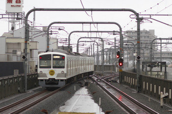 2017年10月29日 15時23分ころ、武蔵境、4番ホームから発車した1253Fの回送列車。