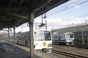 2017年11月19日、白糸台、1253Fの185レ。奥にいるのは伊豆箱根鉄道色の1249F、おやすみでした。