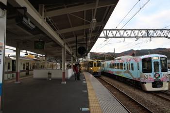 2017年12月2日 15時24分ころ、高麗、左から4013F+4011Fの5037レ・2091Fの5040レ・4009Fの上り回送列車。