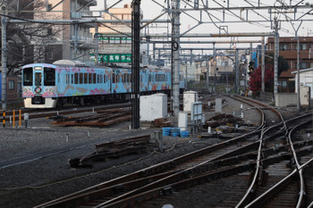 2017年12月24日 16時4分ころ、所沢、1番ホームを通過した4009Fの下り回送列車。