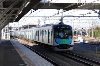 2018年1月14日 15時13分ころ、所沢、2番ホームへ到着する40102Fの上り試運転列車。