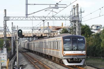 2017年11月3日 15時42分ころ、武蔵藤沢、メトロ10017Fの各停 新木場ゆき(25S運用・小手指始発6538レの始発駅変更)。
