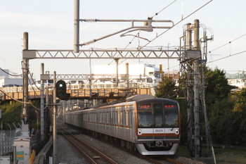 2017年11月3日 16時13分ころ、武蔵藤沢、メトロ10029Fの各停 新木場ゆき(67S運用・小手指始発6540レの始発駅変更)。