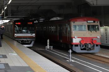 2018年1月20日、所沢、メトロ10034Fの1805レと多摩川線への輸送中の1247F。