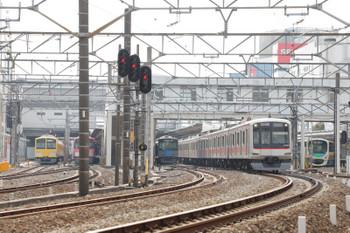 2018年1月20日 12時0分ころ、所沢、発車した東急5050系の1708レと発車待ちの263F+1247F(左端)。