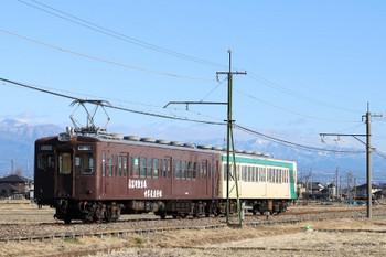 2018年1月1日、山名〜西山名、204+303の15レ。