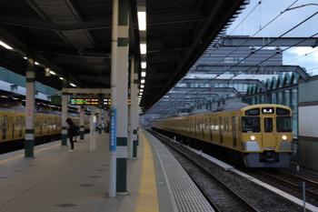 2018年3月10日 6時10分ころ、練馬、急行線を通過する2079Fの上り回送列車。