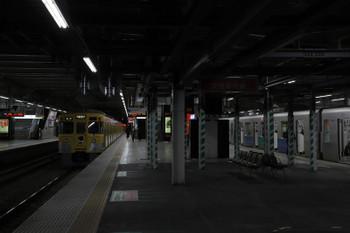 2018年3月17日、所沢、2007Fの5802レ(左)と301014Fの3102レ。