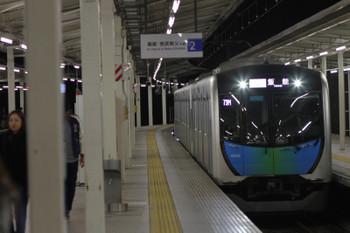 2017年11月3日、入間市、40102FのS-Train・403レ。