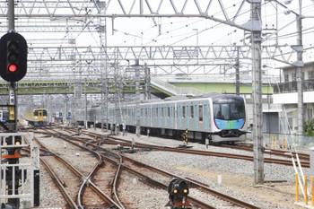 2017年5月12日 12時2分、小手指、入庫する40101Fの回送列車。