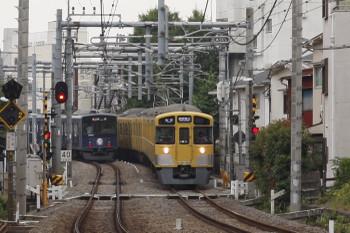 2018年5月28日、池袋~椎名町、20104Fの2110レと2807Fの西武秩父ゆき5205レ。