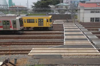 2018年6月9日、小手指車両基地、下り列車から撮影。
