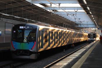 2018年7月15日、秋津、40101Fの403レ(左)と4015Fほかの2004レ。