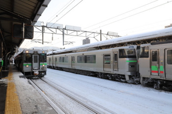 2017年12月10日 14時47分ころ、小樽、気動車と電車。