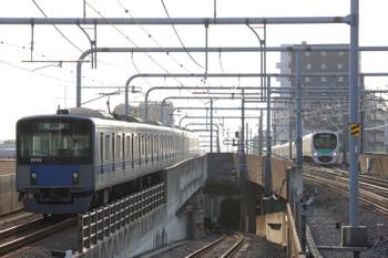 2018年7月21日 6時11分ころ、練馬、20152Fの上り回送列車(左)と38111Fの3205レ。