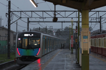 2018年7月28日 18時32分ころ、元加治、40101FのS-Train 403レと9103Fの3114レ。403レは数分の遅れ。