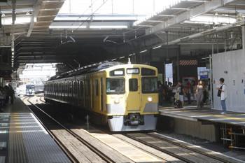 2018年9月9日 11時11分ころ、所沢、4番ホームから折り返し発車する2501Fの下り回送列車。