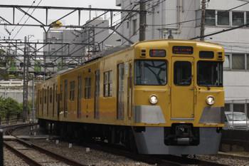 2018年9月6日、高田馬場~下落合、2641レ。西武2000系とJR山手線のE235系。