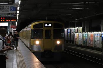 2018年9月8日 19時12分ころ、所沢、5番ホームを通過する2089Fの下り回送列車。