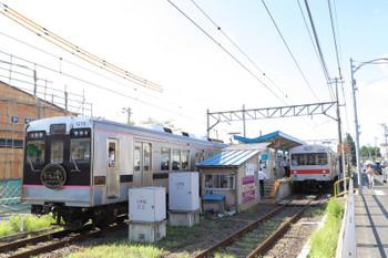 2018年7月27日 7時57分ころ、笹谷、1210ほか3連の福島ゆき(左)と飯坂温泉ゆき7206ほか2連の交換。