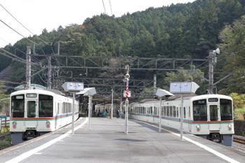 2018年10月17日、吾野、5093レだった4013F(左)と4015Fの5021レ。