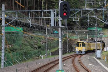 2018年10月17日、正丸、通過する2079Fの上り回送列車。