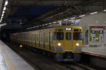 2018年10月20日 5時30分ころ、所沢、2033Fの上り回送列車。