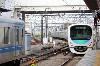 2018年10月20日 12時35分ころ、所沢、新宿線・本川越方から池袋線4番ホームへ入るう38108Fの7602レ。