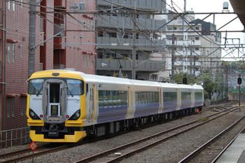 2018年10月28日 8時50分ころ、西国分寺、255系の鎌倉ゆき「ホリデー快速鎌倉」快速列車。