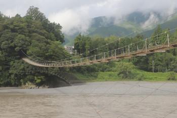 2018年9月9日 8時36分ころ、おそらく塩郷〜下泉駅間にあった吊橋。