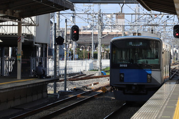 2018年11月10日 12時20分ころ、新所沢、上り3番ホームから下り方へ発車する20155F。会場からの臨時列車で12時11分ころに到着した編成です。