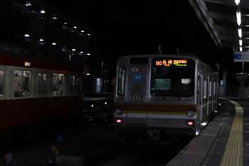 2018年11月23日 17時10分ころ、西所沢、メトロ7019Fの6153レ(右)と9103Fの7062レ。