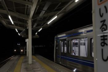 2018年11月24日 17時20分ころ、入間市、38104Fの下り回送列車が6108Fの4149レ(右)に追いつきそうになりました。