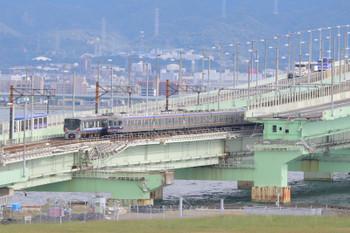 2018年10月5日 14時21分ころ、りんくうタウン~関西空港、南海3000系とJR225系のすれ違い。
