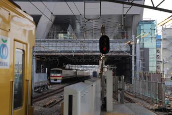 2018年12月23日 9時15分ころ、池袋、1;2番ホームへ到着する10105Fの上り回送列車。